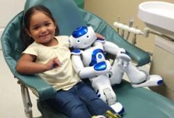 Помощник для детского стоматолога в виде робота MEDi